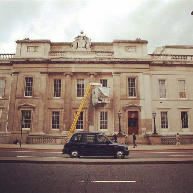 Fishmongers' Hall facade cleaning