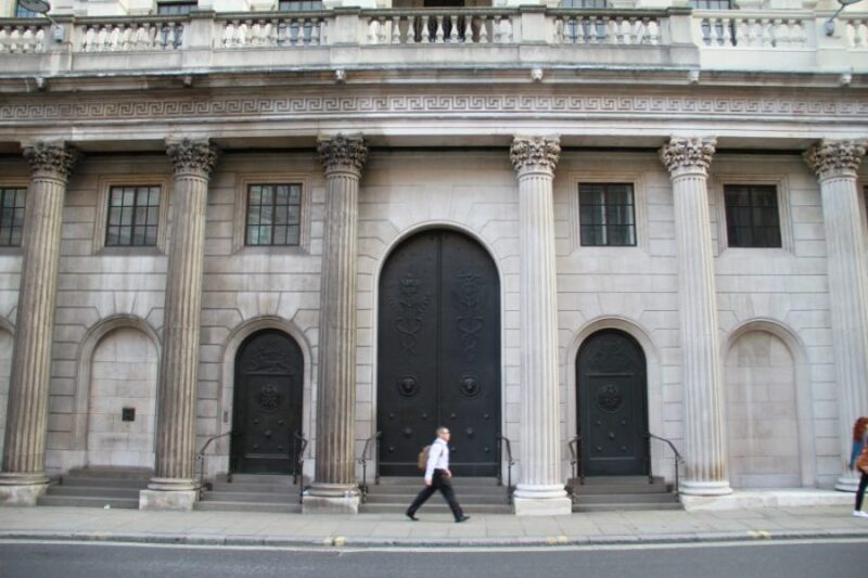 facade-cleaning-Bank-of-England-London