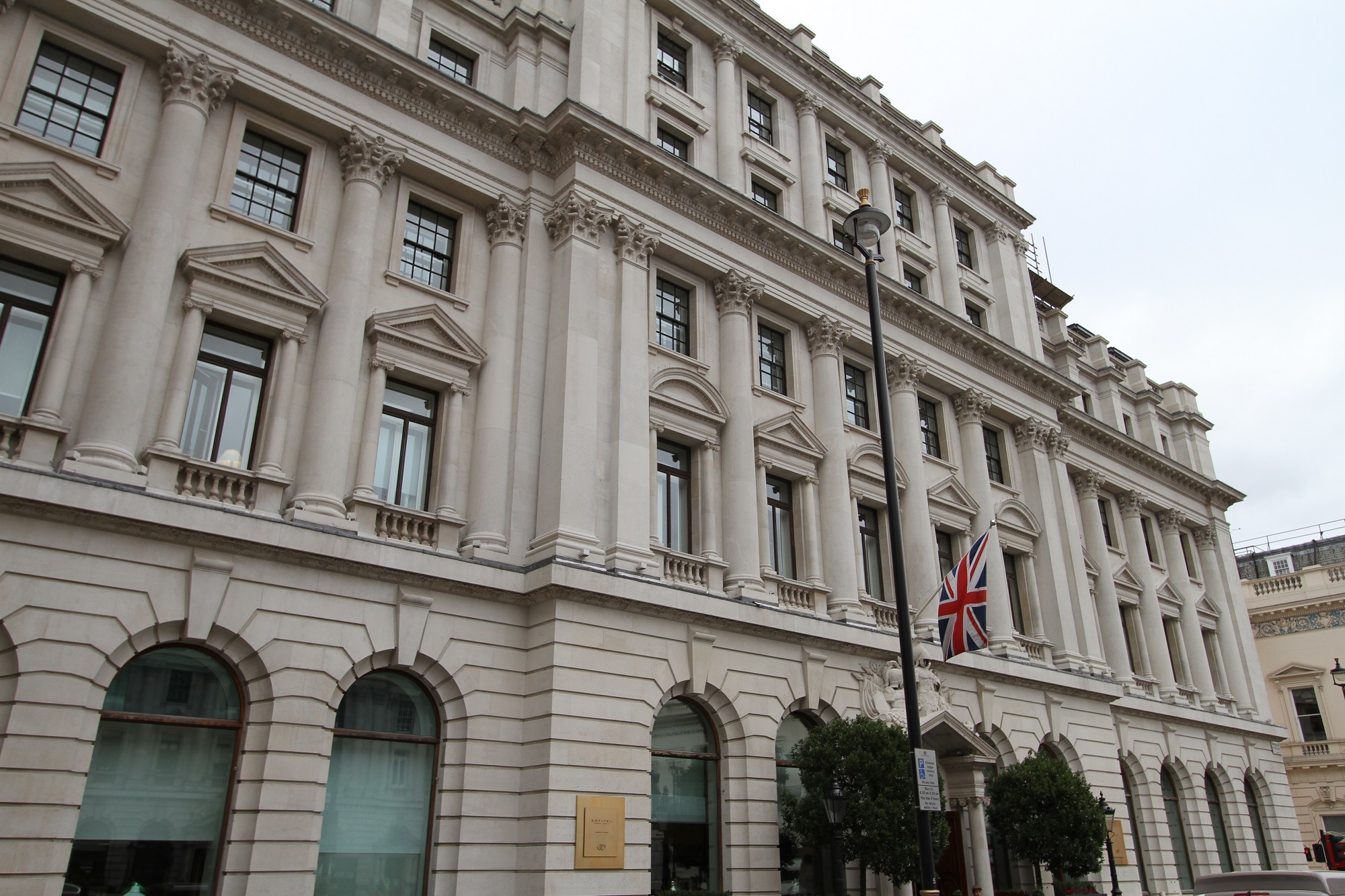 Sofitel-St James's facade cleaning