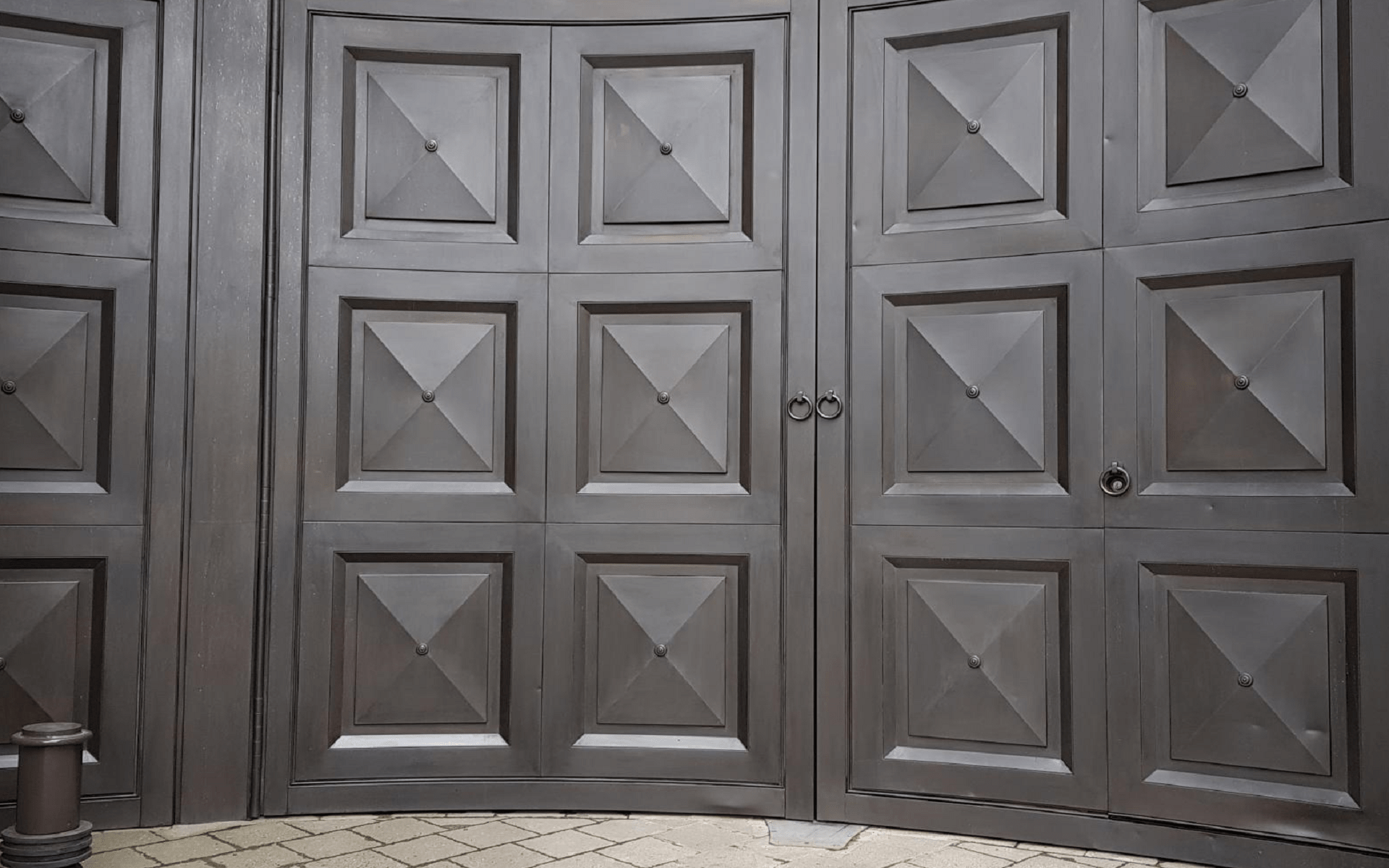 bronze gates patination