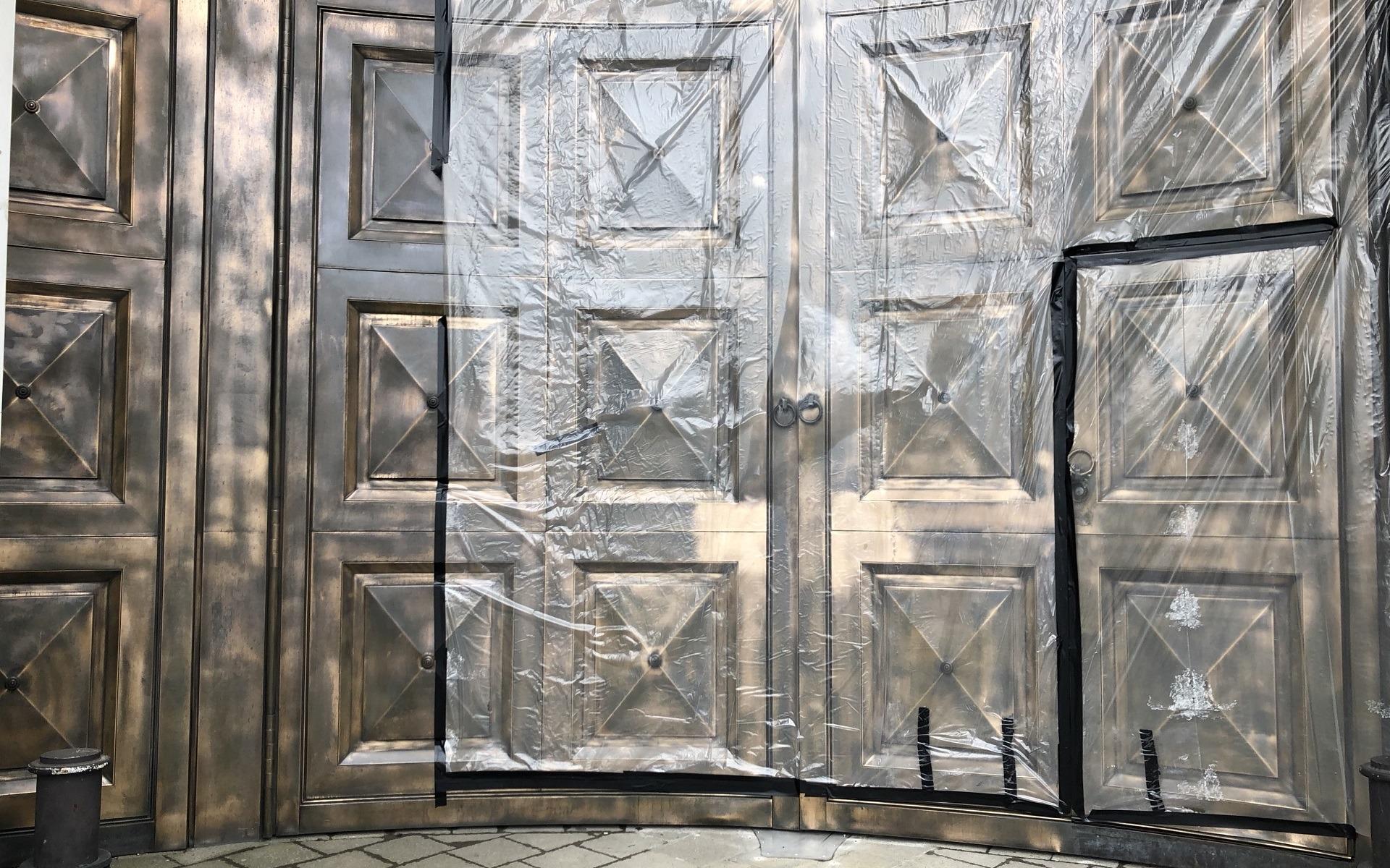 bronze gates repatination