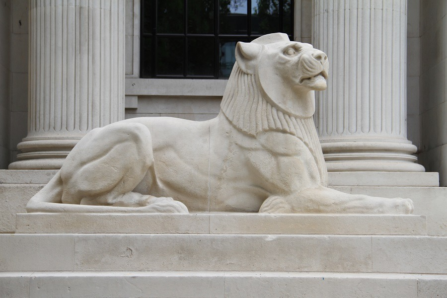 lion statues cleaning, London